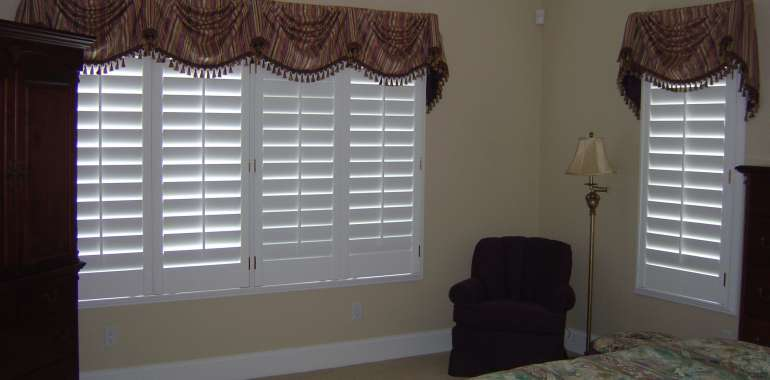 Tiernan Shutters with valances 003